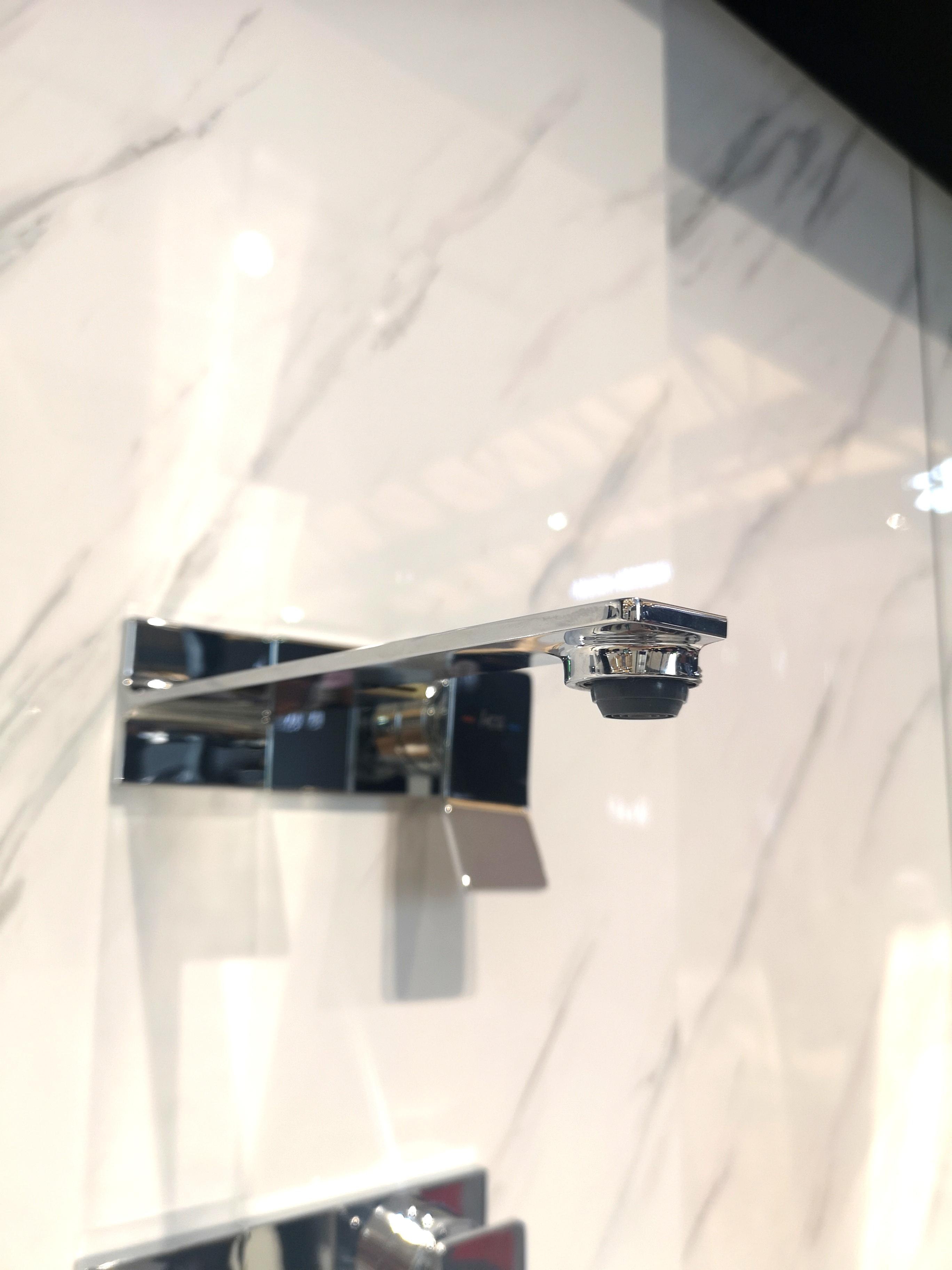 """和成卫浴:2019年上海国际厨卫展,最轻薄的全铜水龙头横空出世,唯有""""5cm""""超薄极致工艺,以方正之姿,彰显不凡!"""