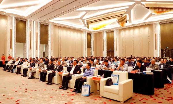 2 2019中国台州智能卫浴峰会.jpg