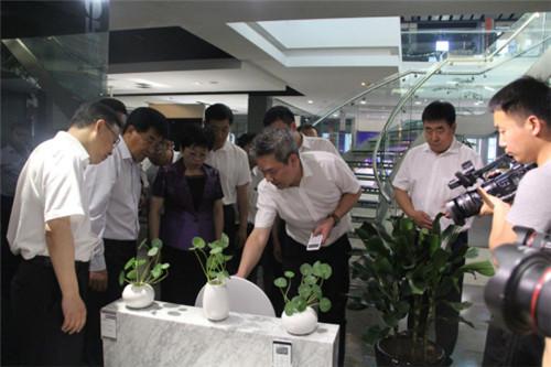 吉林省通化市党政代表团前来欧路莎参观调研399.jpg